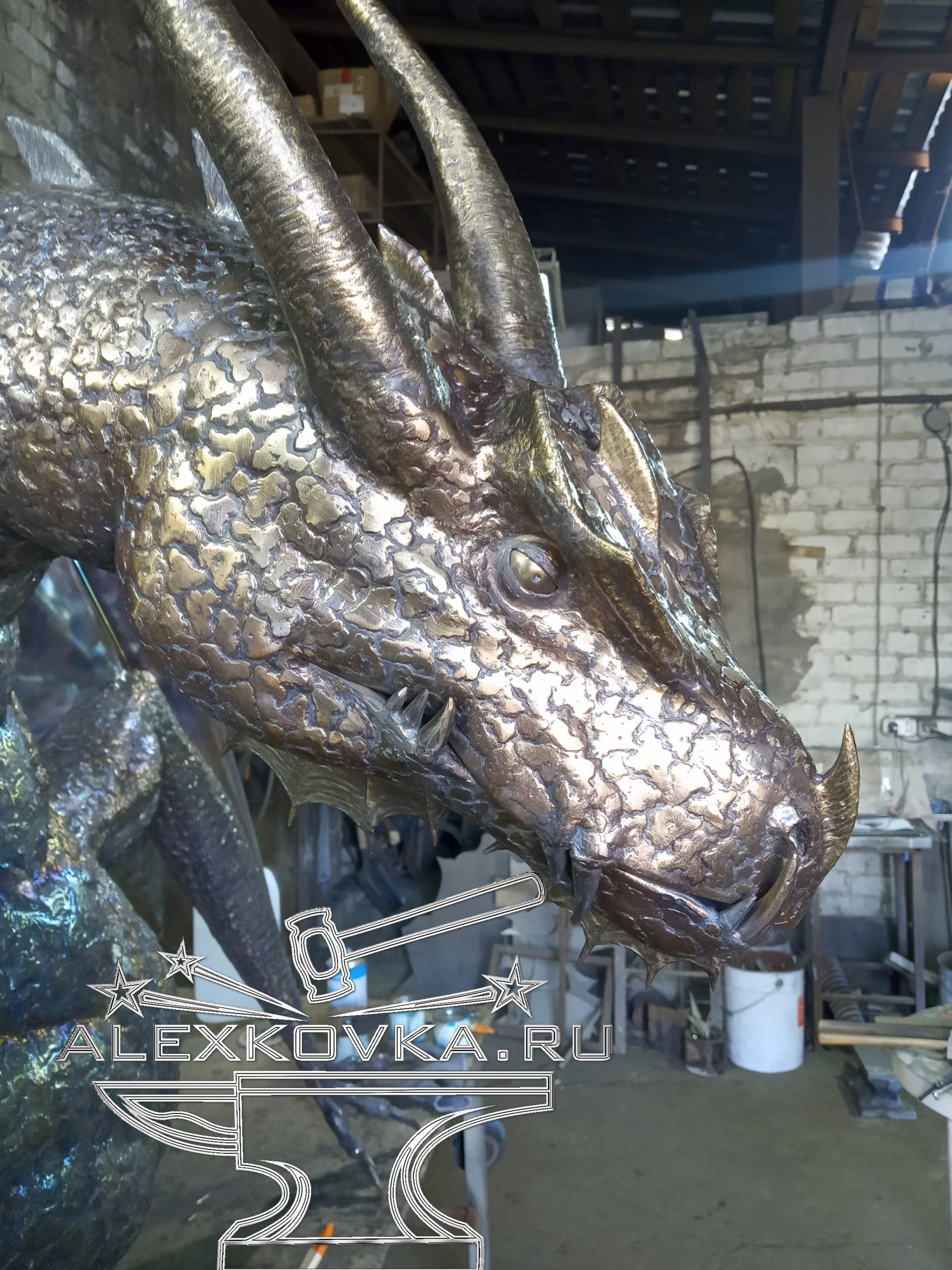 дракон из нержавеющей стали